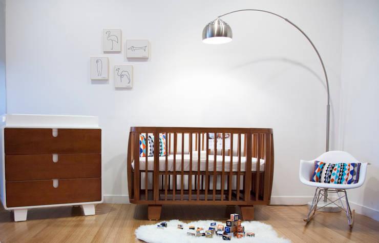 Habitaciones infantiles de estilo  por Vinke Trading importeur Bloom en 4moms