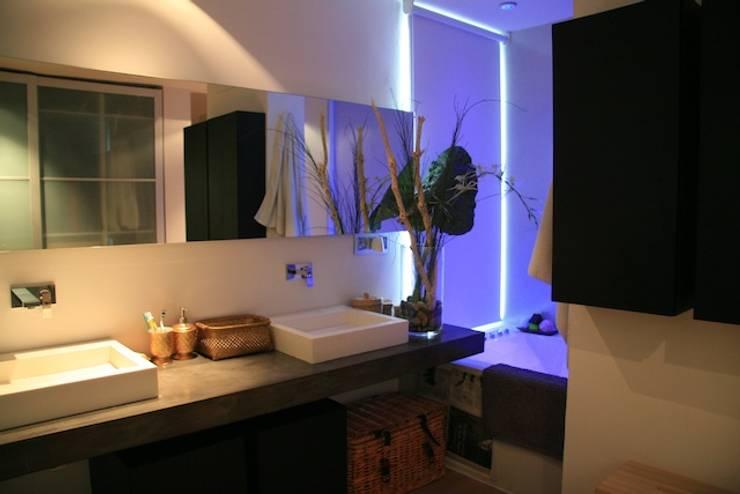 Architect Hugo Castro  - HC Estudio  Arquitectura y Decoraciónが手掛けた浴室