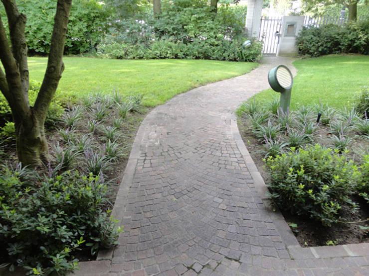 Giardino di casa privata - Verolavecchia (Bs): Giardino in stile in stile Moderno di matiteverdi