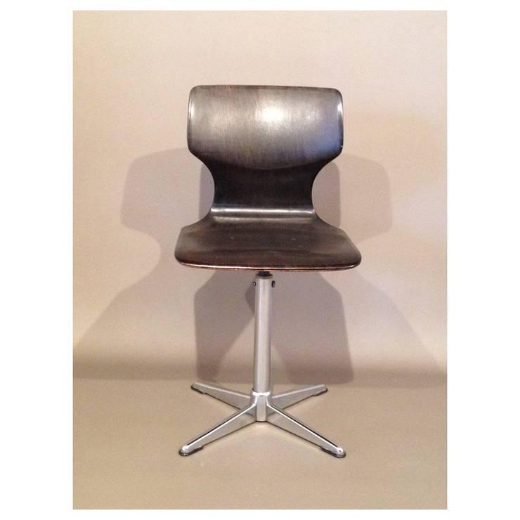 Pagholz - Chaise estampillée Pagwood: Bureau de style de style Moderne par Collector Chic