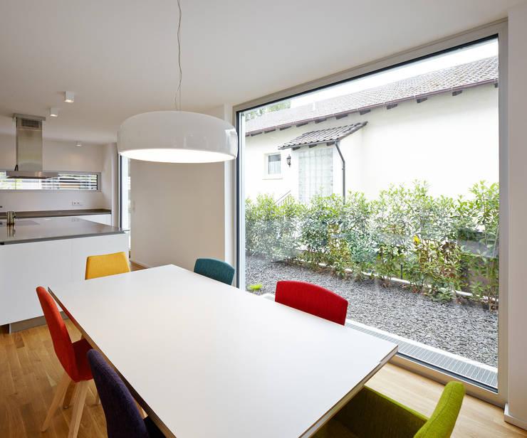 Salle à manger de style de style Moderne par Lennart Wiedemuth / Fotografie