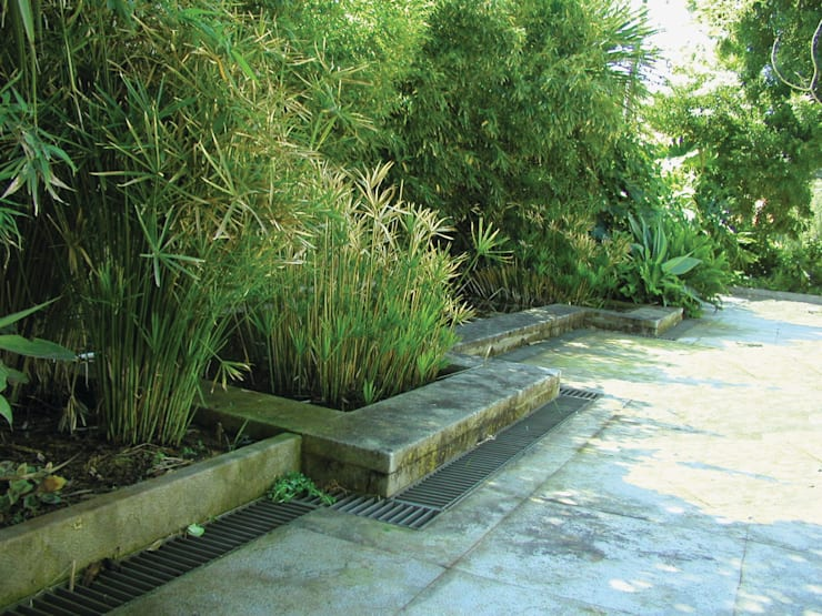 Casa Bustorff: Jardins  por Ceregeiro-Arquitectura Paisagista