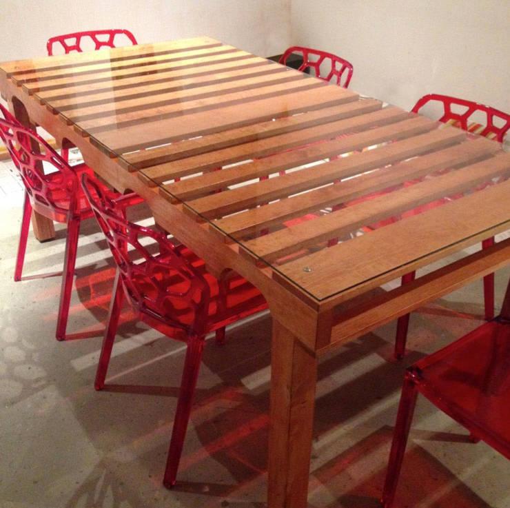 """Mesa de comedor """"Grand Pallet"""". : Comedor de estilo  por Treebones"""