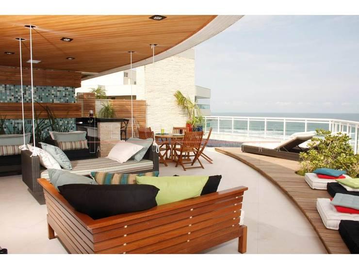 móveis área externa, deck, madeira: Terraços  por LX Arquitetura