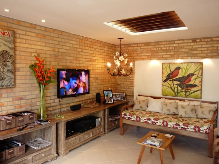 Salas / recibidores de estilo  por Eveline Sampaio Arquiteta e Designer de Interiores