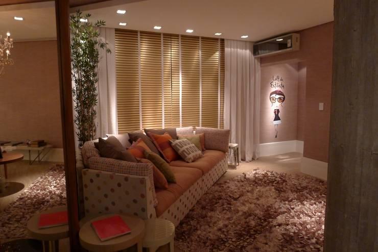 Salas de estilo  por ANNA MAYA ARQUITETURA E ARTE