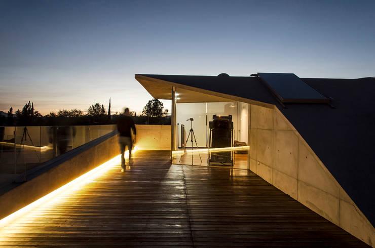 Casa Xafix / Arkylab Balcones y terrazas modernos de Oscar Hernández - Fotografía de Arquitectura Moderno