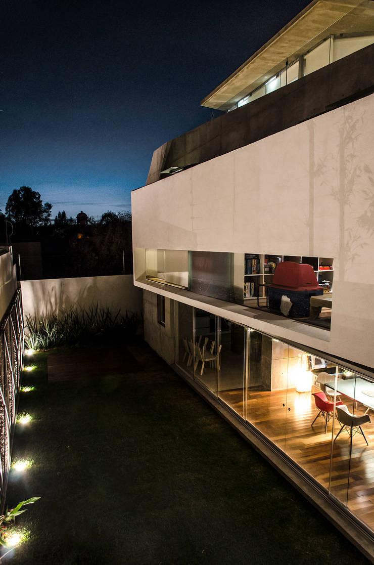 Casa Xafix / Arkylab Jardines modernos de Oscar Hernández - Fotografía de Arquitectura Moderno