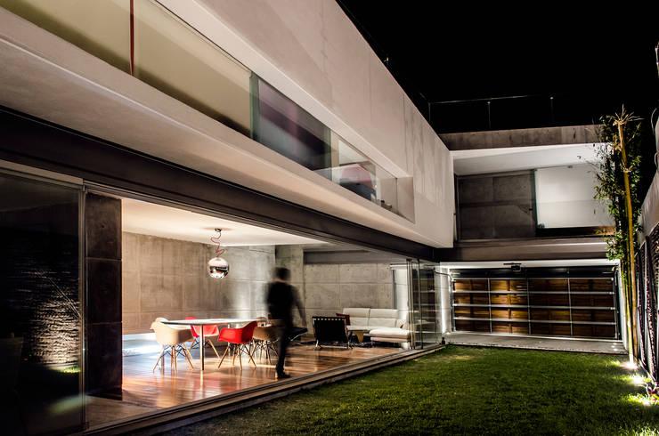 Jardines de estilo moderno por Oscar Hernández - Fotografía de Arquitectura