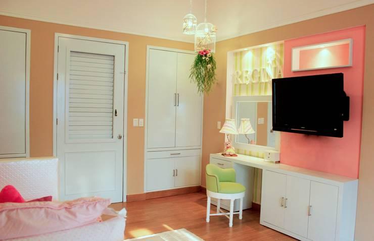 Cuarto de Niña: Habitaciones infantiles de estilo  por Interiorisarte