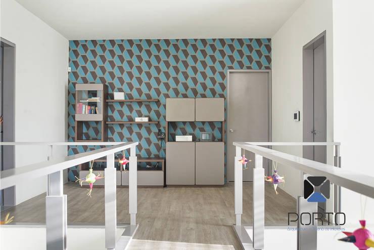 Corridor & hallway by PORTO Arquitectura + Diseño de Interiores