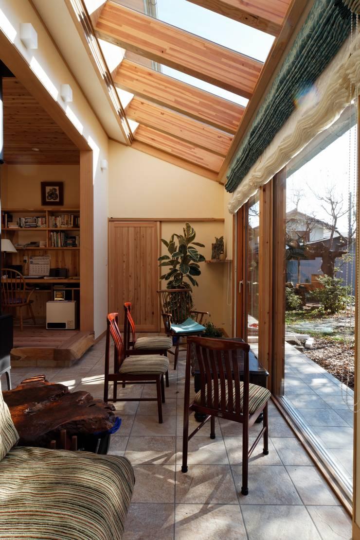K邸 Renovation: 株式会社山崎屋木工製作所 Curationer事業部が手掛けた和室です。,