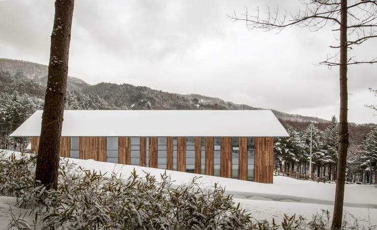 Casas de estilo  por (주)나무아키텍츠 건축사사무소