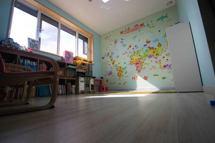 Kinderzimmer von (주)홈스토리