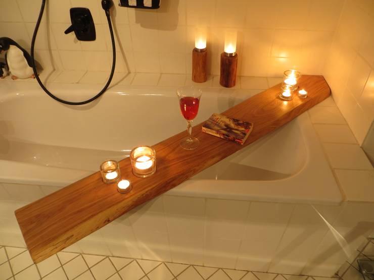 Wannenablage:  Badezimmer von Schöner Wohnen mit Holz