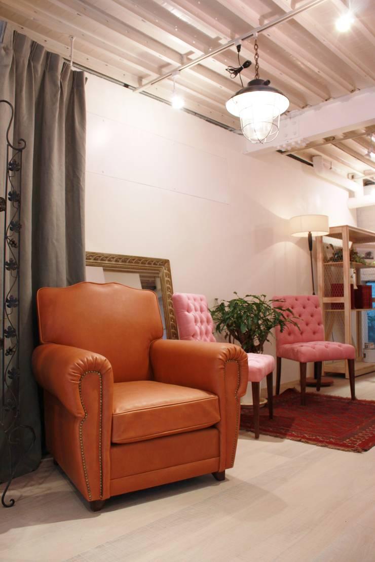 Musutashu 1 seater: (株)工房スタンリーズが手掛けたクラシックです。,クラシック 革 灰色