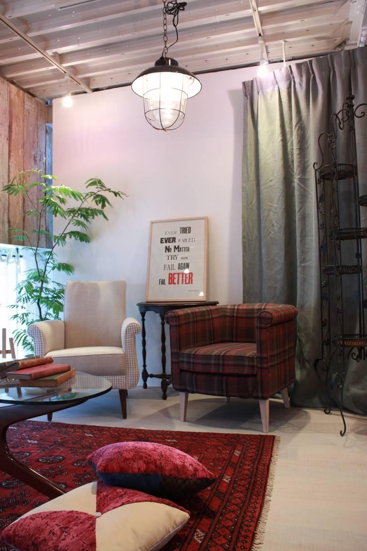 Boris Sofa&Ellie1seater: (株)工房スタンリーズが手掛けた折衷的なです。,オリジナル 羊毛 オレンジ