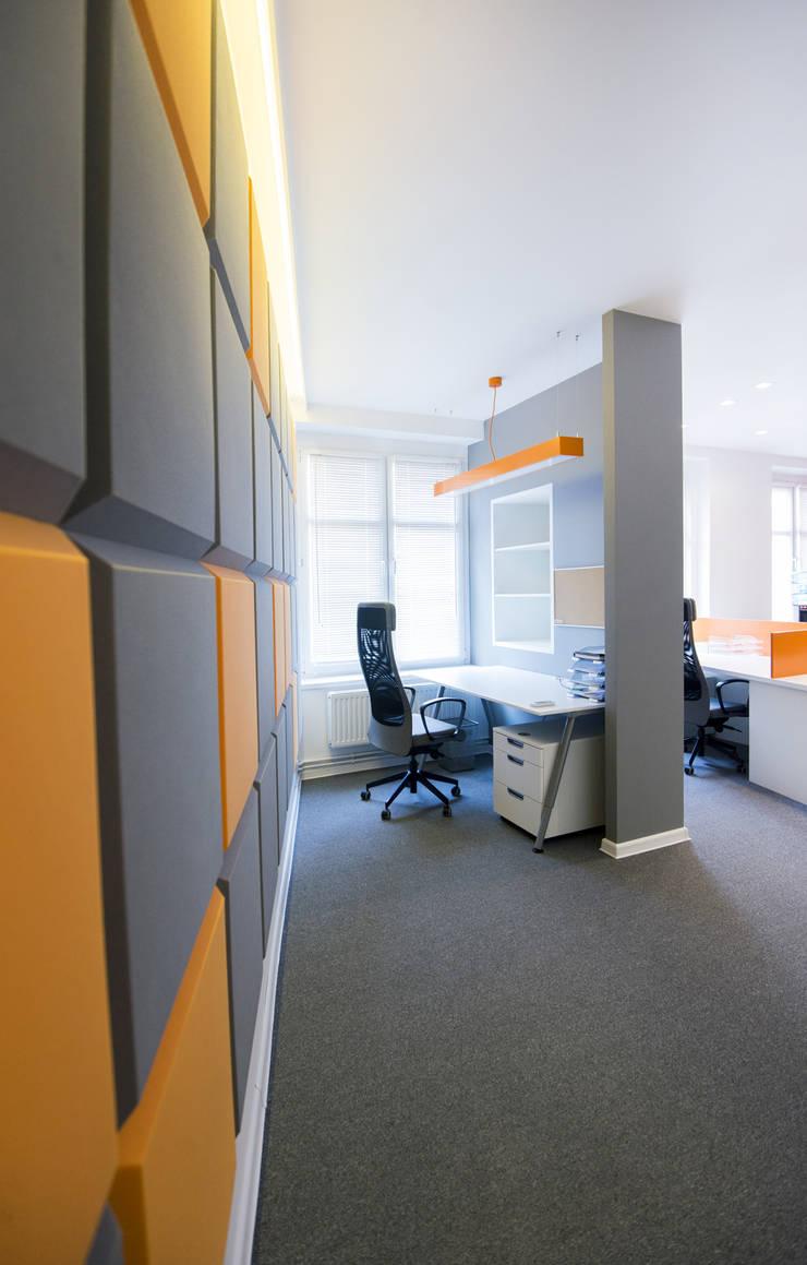 małe biuro: styl , w kategorii Biurowce zaprojektowany przez conceptjoana