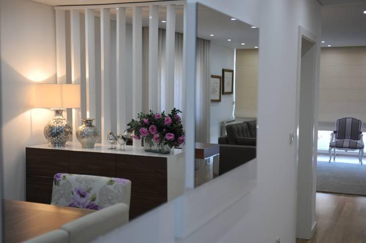 MORADIA UNIFAMILIAR, VISEU: Salas de jantar modernas por Atelier Ana Pereira Arquitetura e Decoração de Interiores