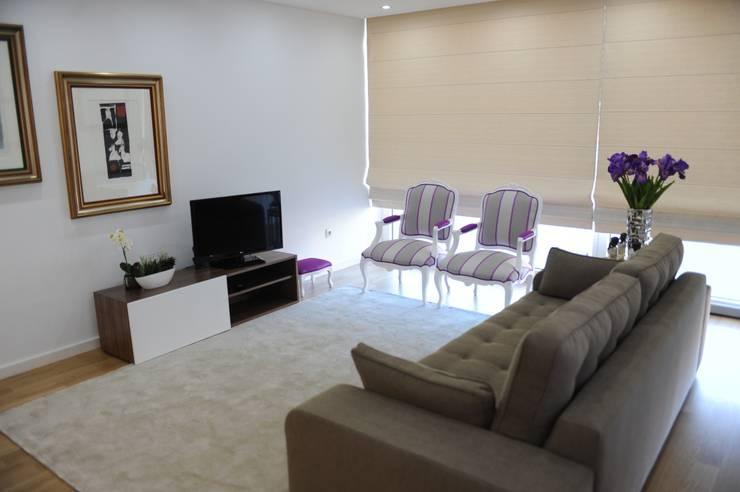 modern Living room by Atelier Ana Pereira Arquitetura e Decoração de Interiores