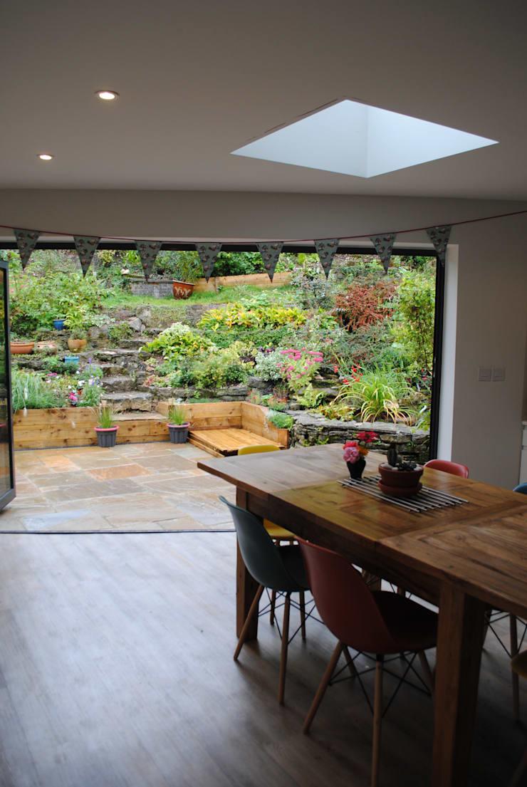 House in Winchester: modern Dining room by LA Hally Architect