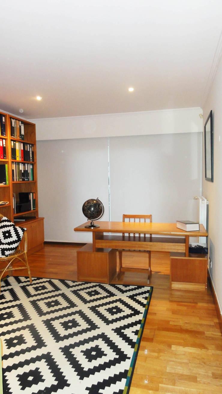 MORADIA  MÃE D`ÁGUA: Escritório  por ARQAMA - Arquitetura e Design Lda