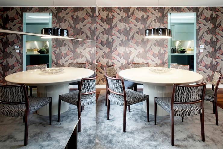 Apartamento Porto: Salas de jantar modernas por Jorge Cassio Dantas Lda