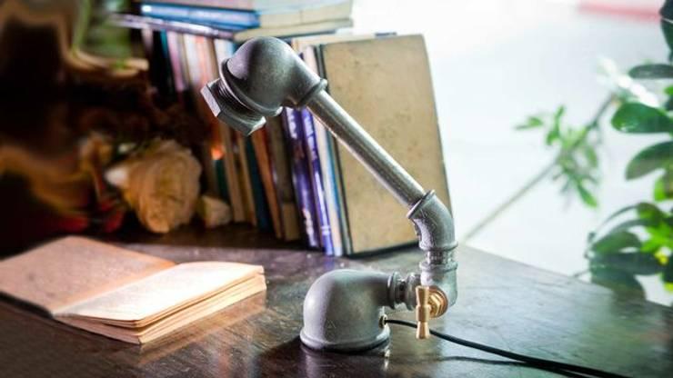 Mono : styl , w kategorii Domowe biuro i gabinet zaprojektowany przez Kozo Lamp Poland,