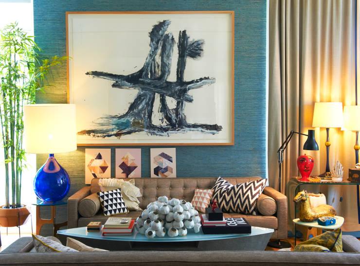 Family Chic: Salas de estar  por Viterbo Interior design