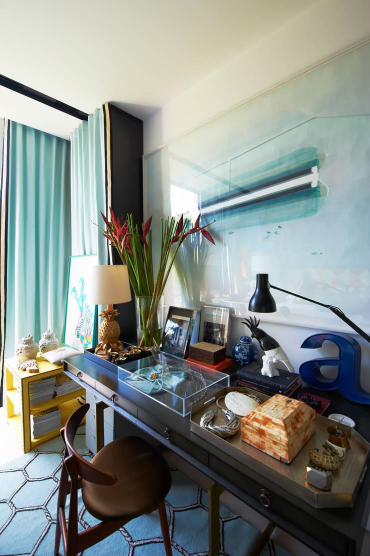 Family Chic: Escritórios e Espaços de trabalho  por Viterbo Interior design