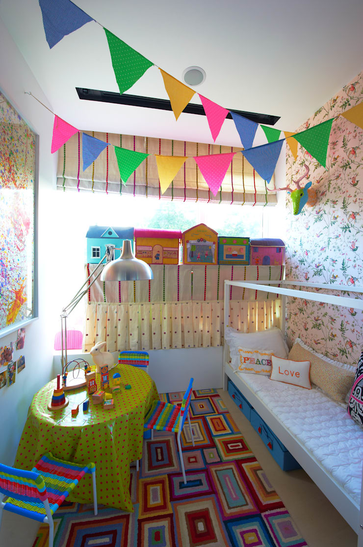 Family Chic: Quartos de criança  por Viterbo Interior design