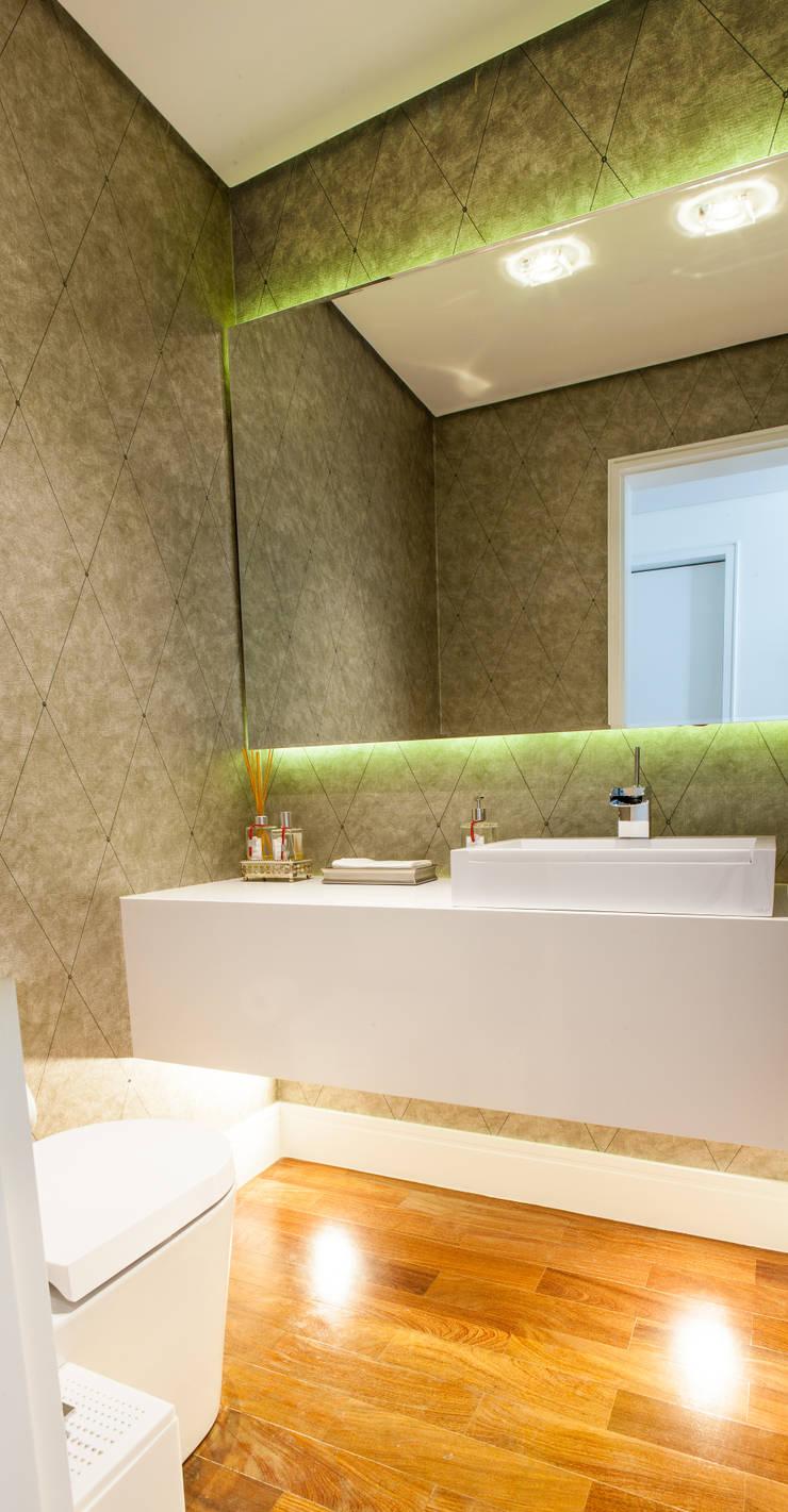 Lavabo: Banheiros  por Lilian Barbieri Interior Design