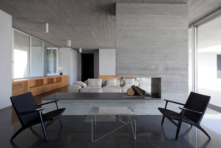 Living room by Osa Architettura e Paesaggio