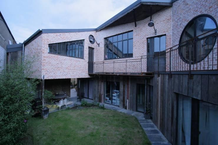 Tabary Le Lay :  tarz Balkon, Veranda & Teras