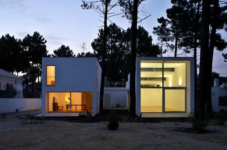 Casa GA: Casas  por SAMF Arquitectos