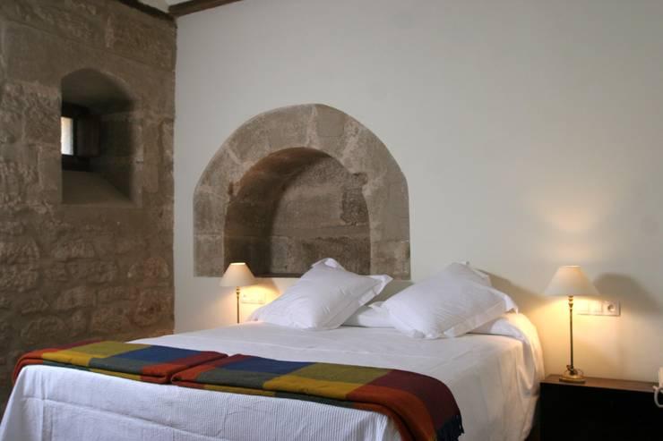 Dormitorios de estilo  por Ignacio Quemada Arquitectos