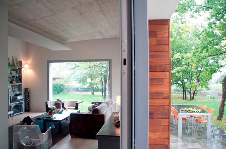 rdl arquitectura: iskandinav tarz tarz Oturma Odası