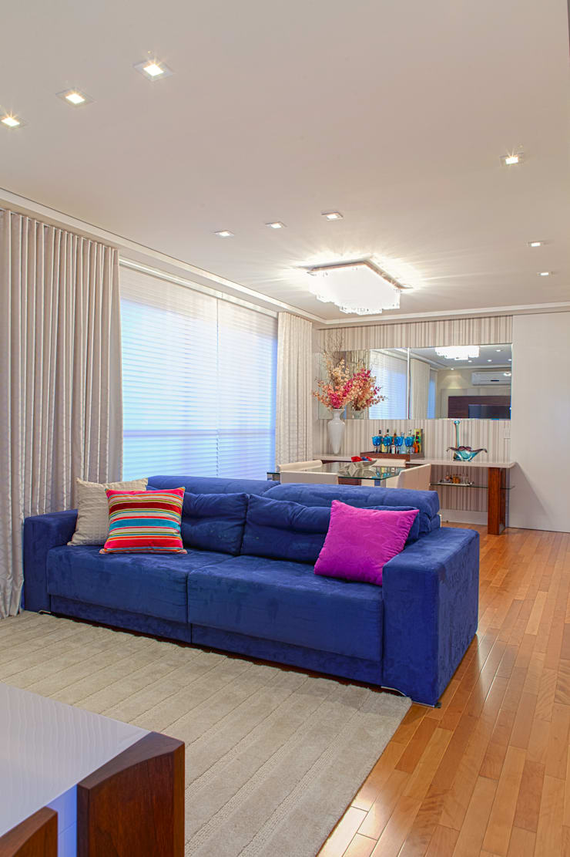 Conforto e Bem Estar: Salas de estar  por Lilian Barbieri Interior Design
