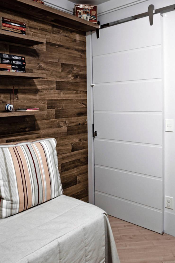 Apartamento K&R.R - Quarto Multiuso: Quartos  por Kali Arquitetura