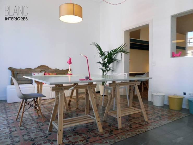 Pau&Co. Coworking, Palma.: Estudios y despachos de estilo minimalista de Blanc Interiores