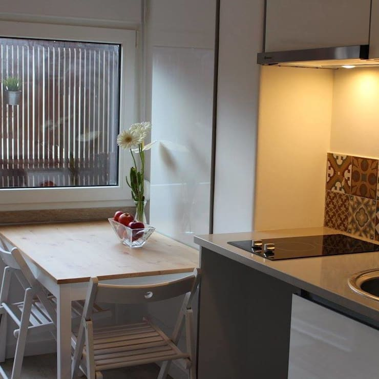 Recuperação de Estúdio: Salas de jantar  por Gabiurbe, Imobiliária e Arquitetura, Lda