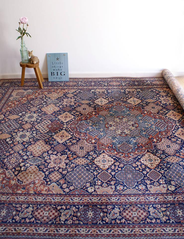 Groot vintage wollen kleed, Louis de Poortere, Perzisch tapijt :   door Flat sheep, Aziatisch Wol Oranje
