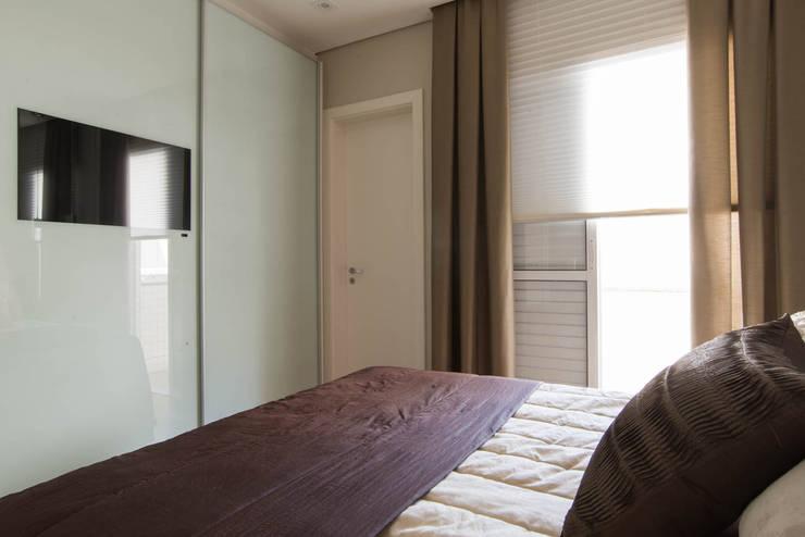 Apartamento decorado Veredas 2: Quartos  por Renata Neves ,Clássico MDF