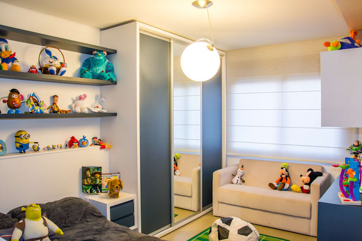 quarto de menino: Quarto infantil  por Michele Moncks Arquitetura,Moderno
