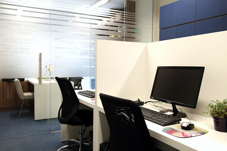 SALA COMERCIAL: Escritórios  por Amanda Carvalho - arquitetura e interiores