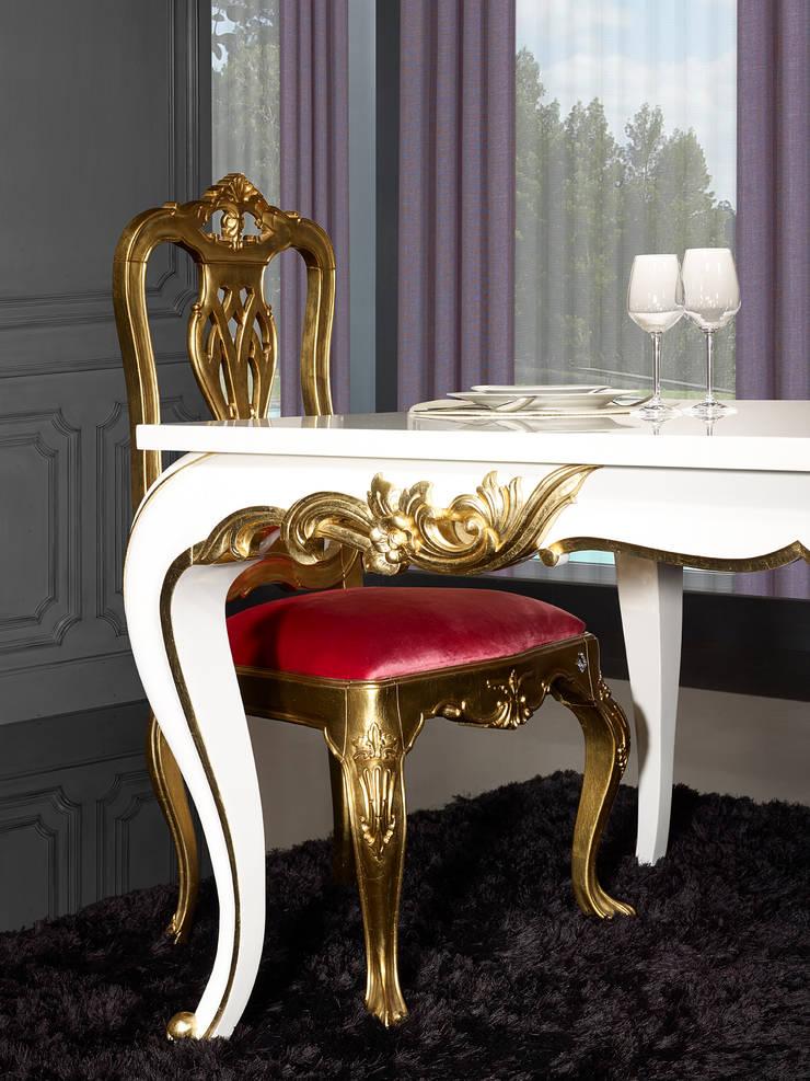 Mesa refª. Curvatura: Sala de jantar  por moogno