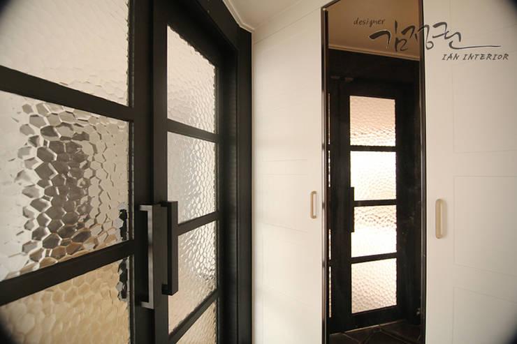 Minimalist dressing room by 김정권디자이너 Minimalist Pottery
