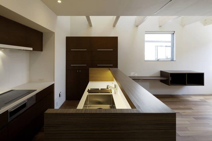 house in saitama ミニマルデザインの キッチン の 株式会社廣田悟建築設計事務所 ミニマル