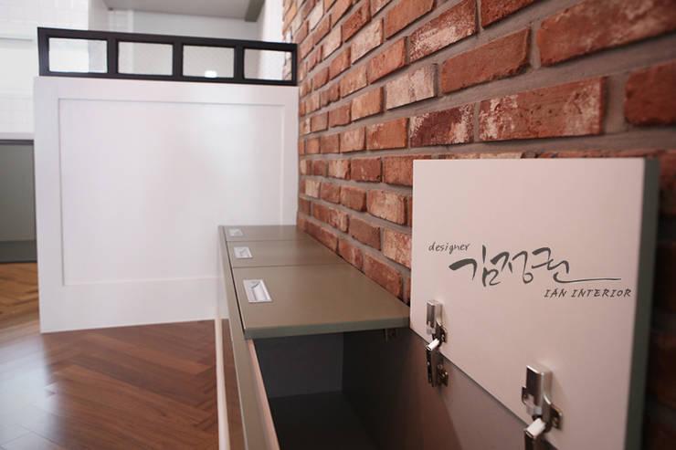 한빛 아파트: 김정권디자이너의  주방