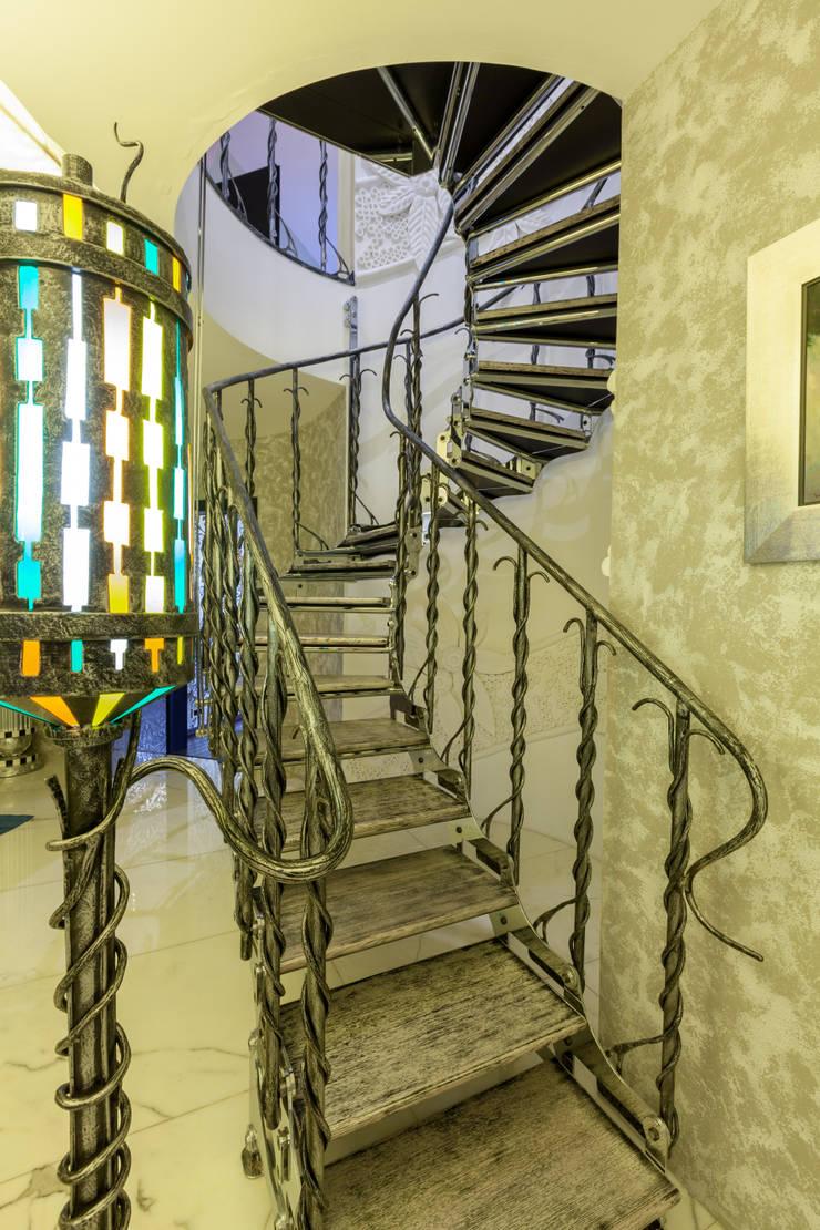 Квартира в современном стиле: Коридор и прихожая в . Автор – ARTteam